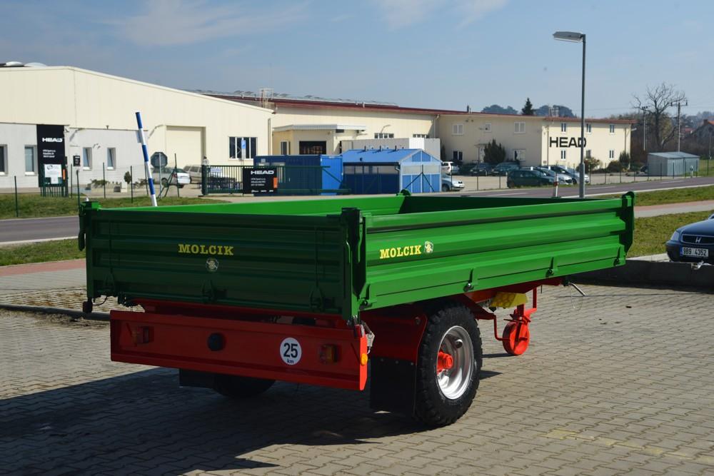 Remorca Molcik EDK 4000 – basculabila trilateral | Agriculture Jurop Group