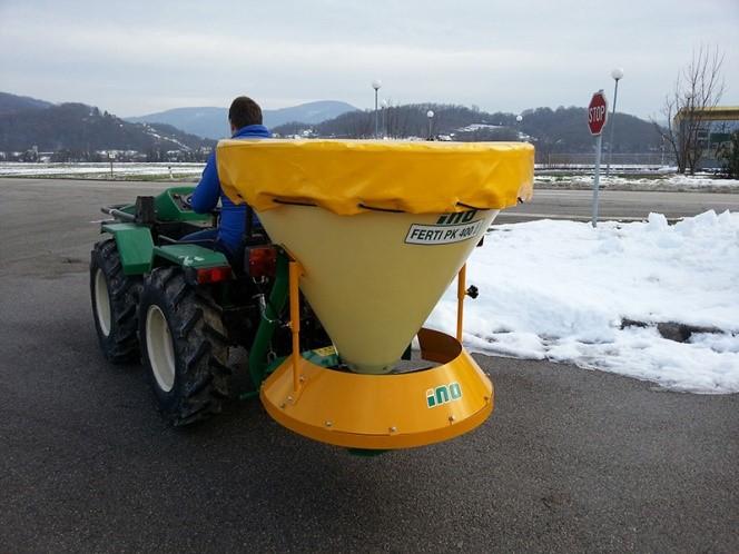 Utilaj de imprastiat material antiderapant | Agriculture Jurop Group